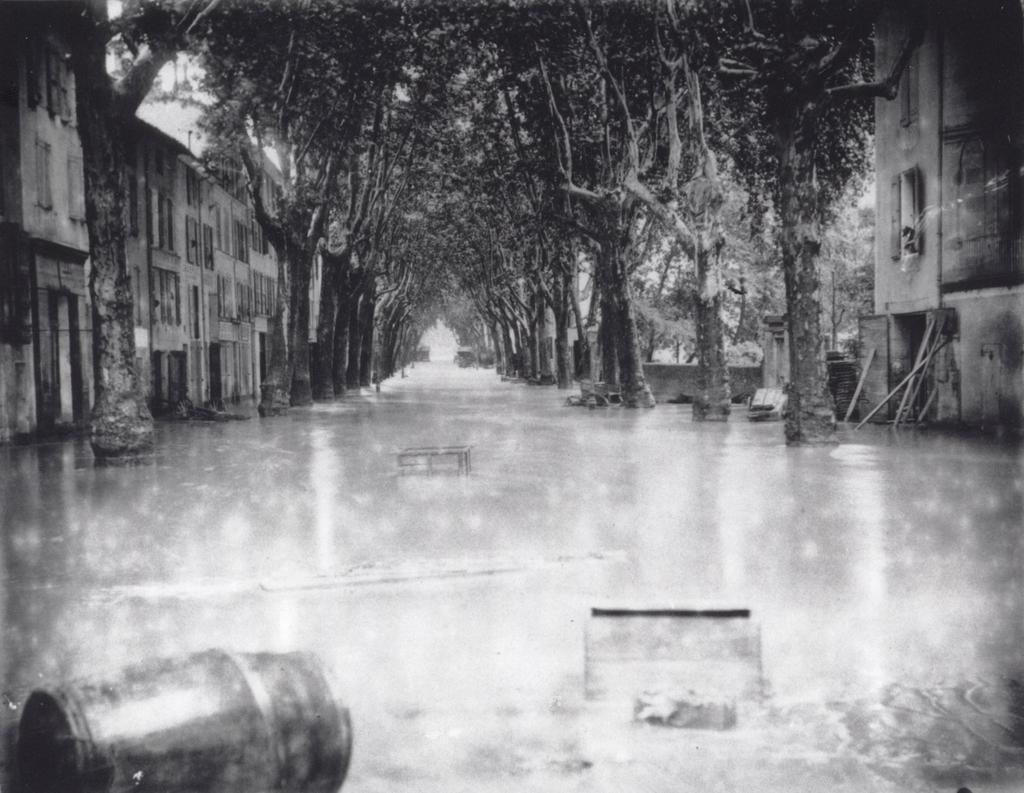 Vue inondation Boulevard Gassendi Digne en août 1887 |
