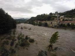 Inondation pont Aubenas septembre 2014 |